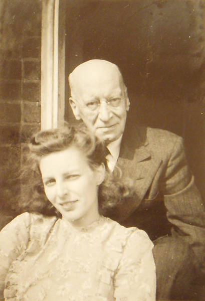 Margaret Elizabeth with her father Charles Ross